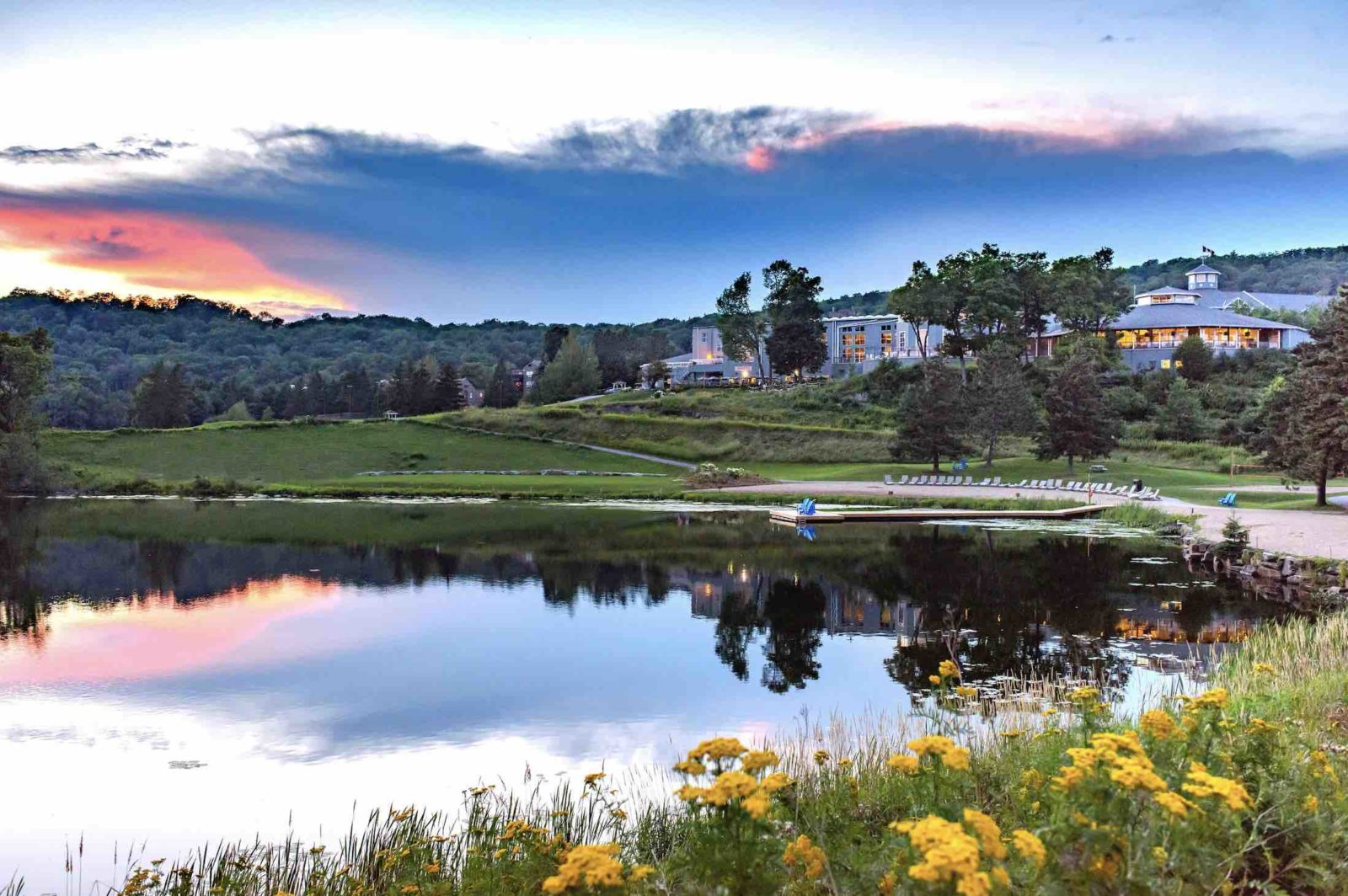 Deerhurst Resort at sunset