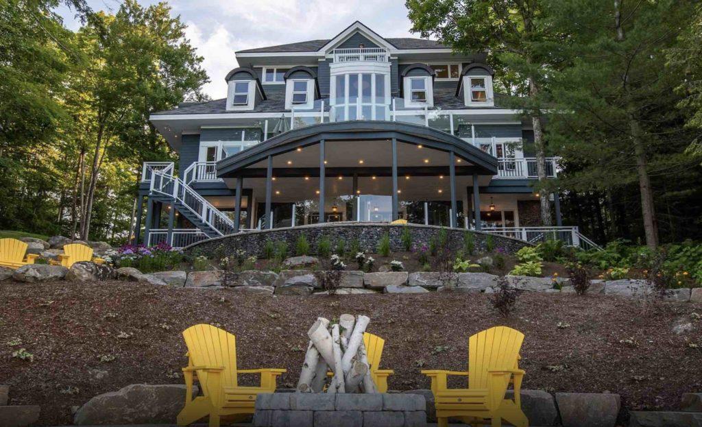 Sagamo Estate – Luxurious Lakefront Living on Lake Joseph